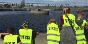 Embedded thumbnail for Mazie ventspilnieki izzina savas pilsētas ūdens ceļu